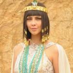 Como se llama la actriz que hace de Nefertari en la novela Moises y los 10 mandamientos