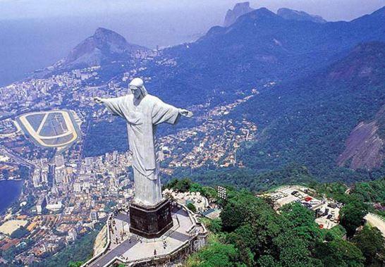 Como se llama la estatua de Brasil