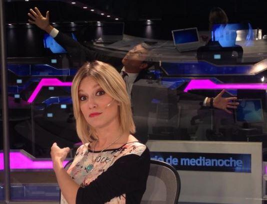 Martina Soto Pose conductora de Diario de Medianoche
