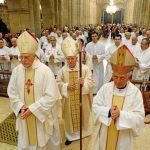 Como se llama el conjunto de sacerdotes