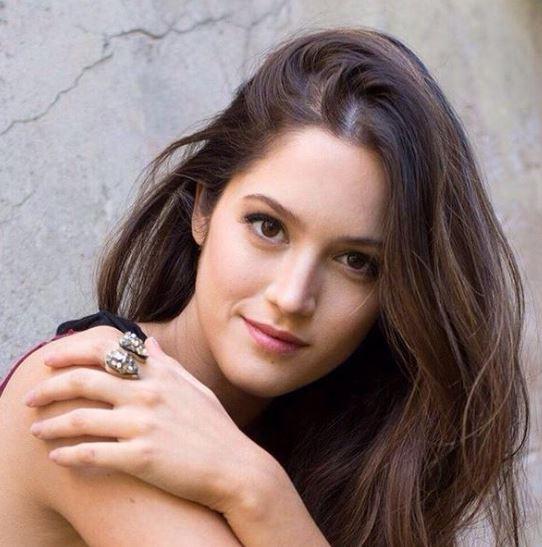 Como se llama la actriz que hace de hija de Martinez y Wexler en ADDA