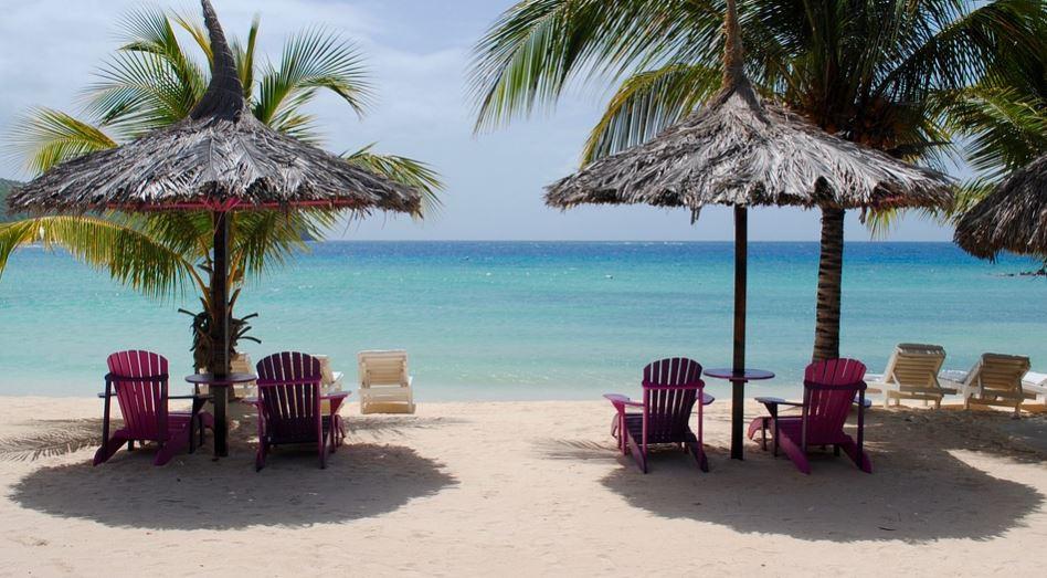 Como se llaman las sillas que están en la playa