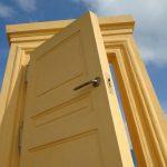 Como se llaman las partes de una puerta