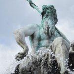 Como se llama el dios romano del oceano